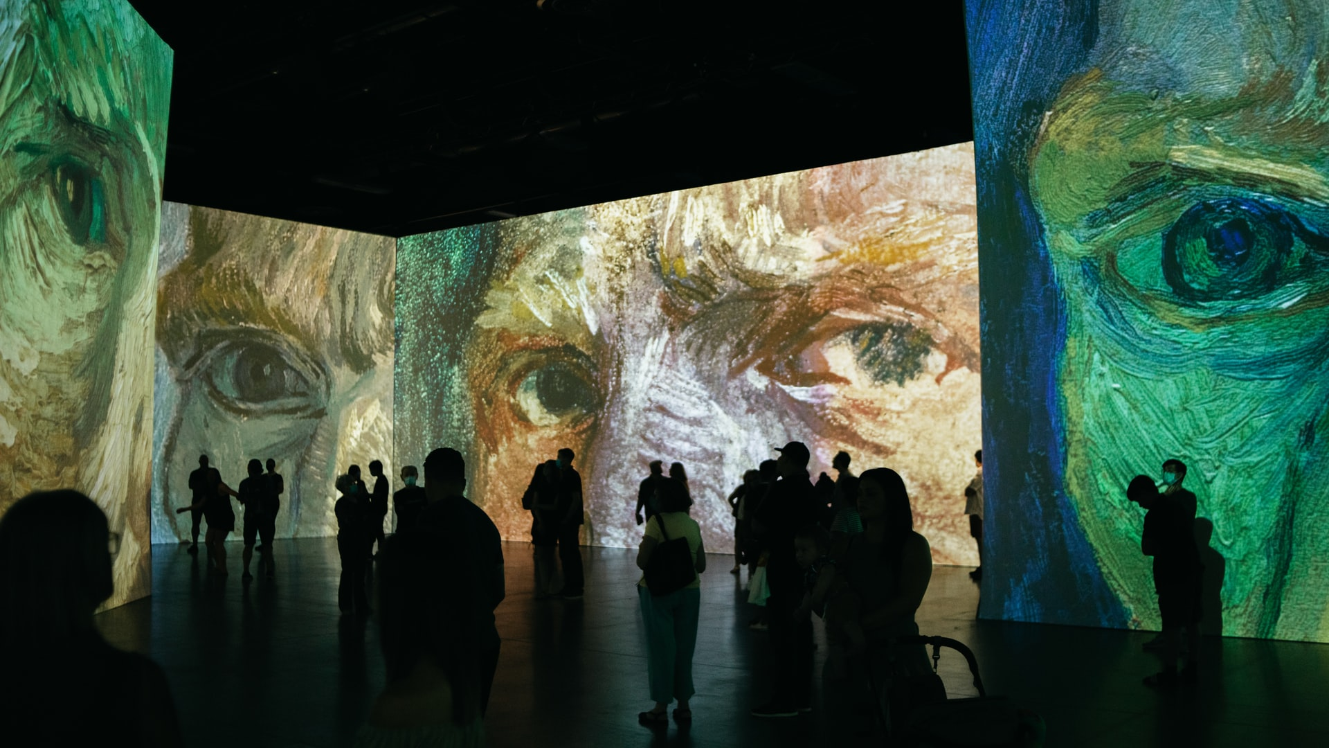 Happening Now Near 77H: 'Van Gogh, The Immersive Experience'